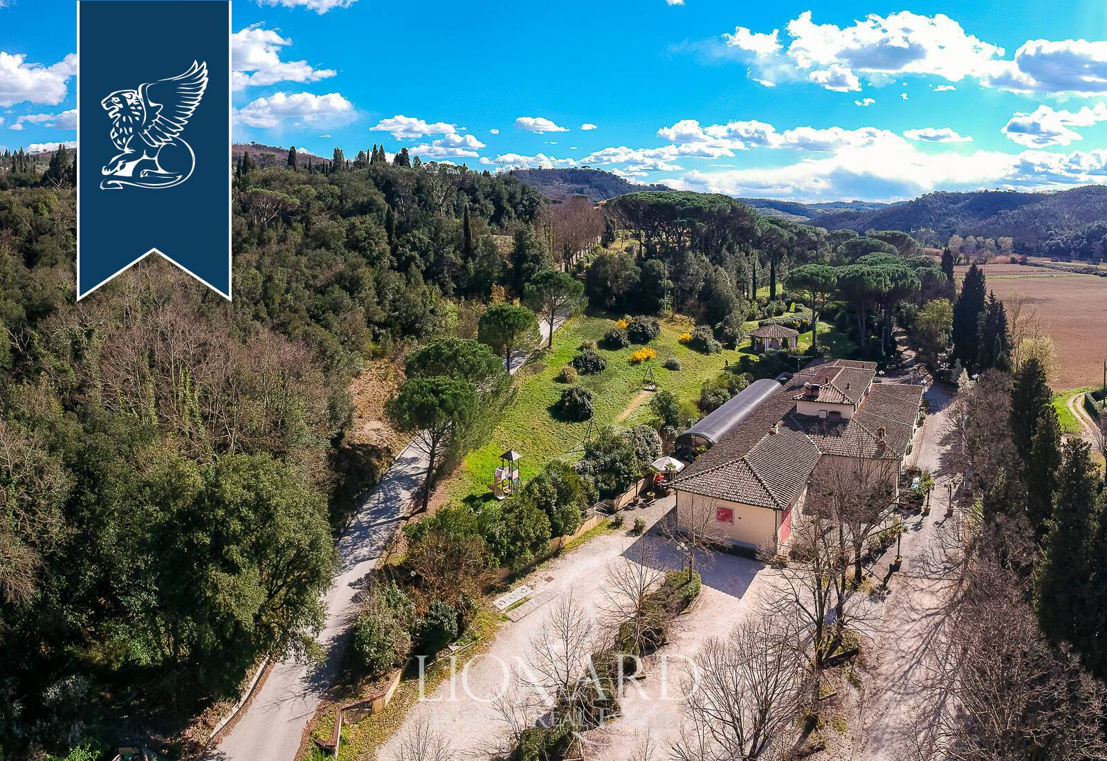 Villa in Vendita a Capraia E Limite: 0 locali, 1000 mq - Foto 1