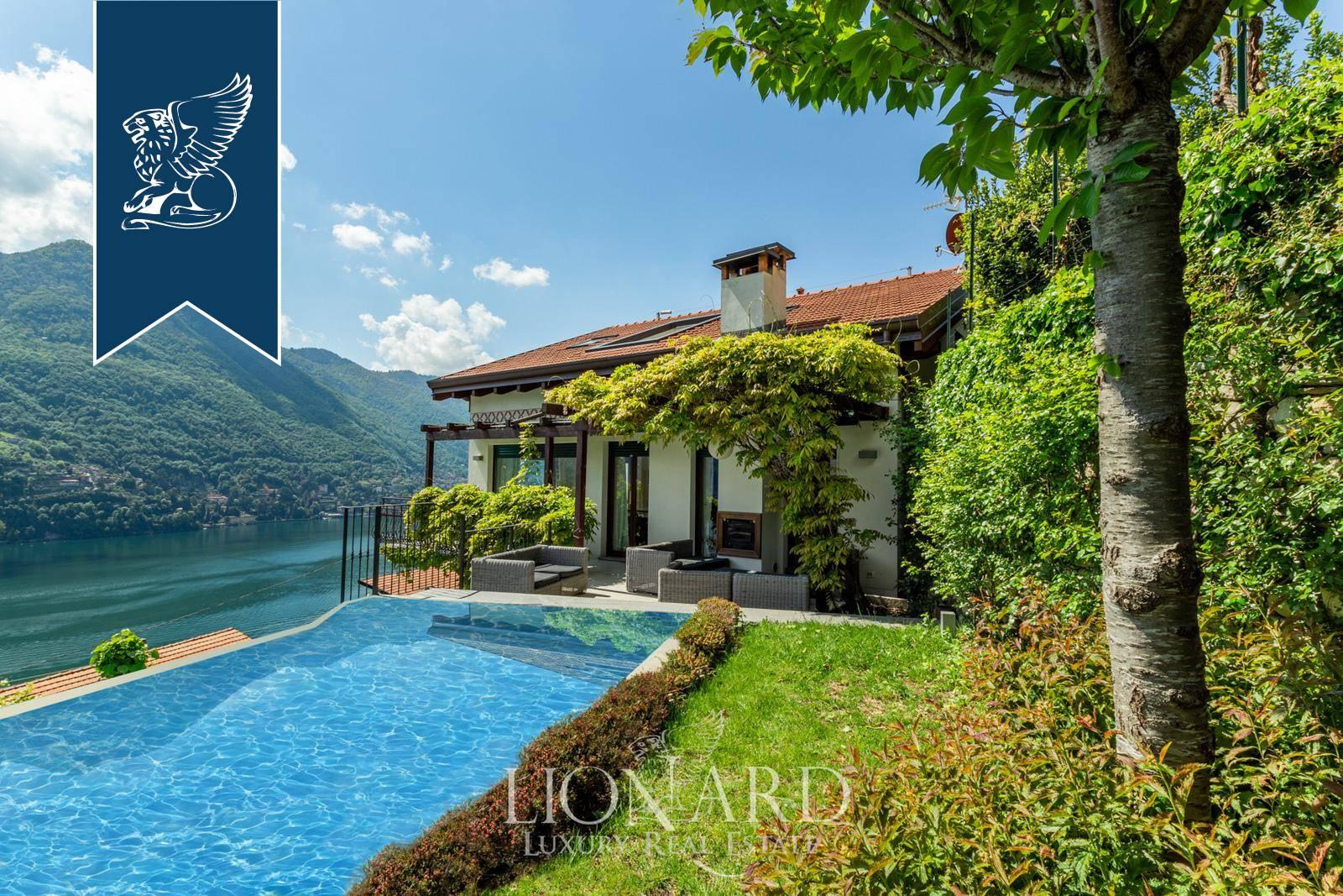 Villa in Vendita a Moltrasio
