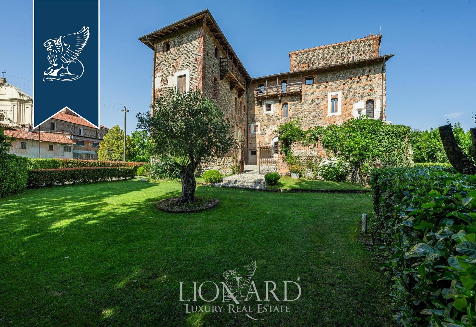 Villa in Vendita a Castelletto Cervo