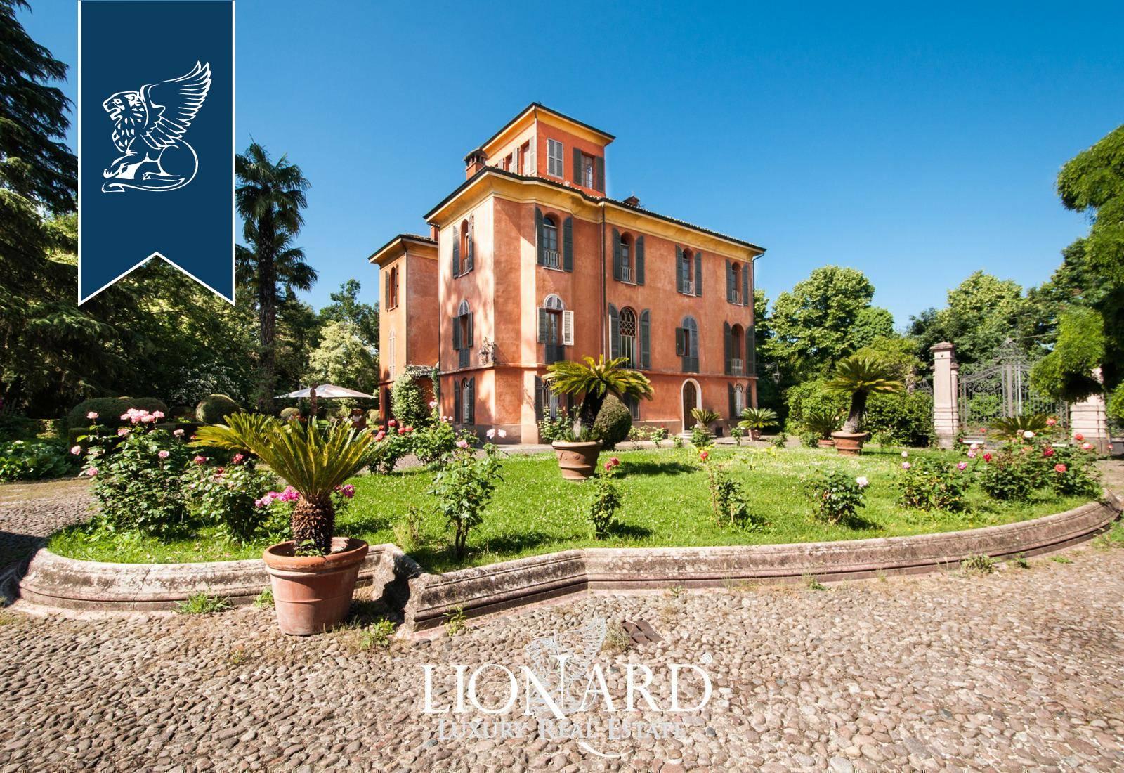 Villa in Vendita a Albinea: 900 mq