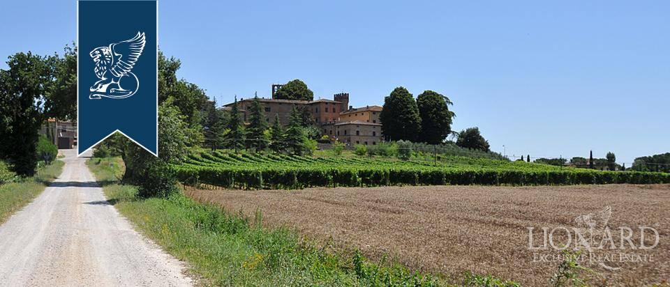 Albergo in Vendita a Monteroni D'Arbia: 0 locali, 1215 mq - Foto 1