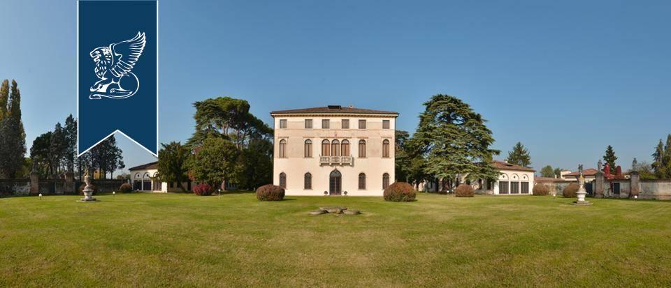 Villa in Vendita a Martellago: 0 locali, 4000 mq - Foto 1