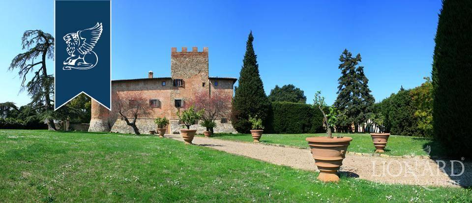 Villa in Vendita a Certaldo: 8500 mq