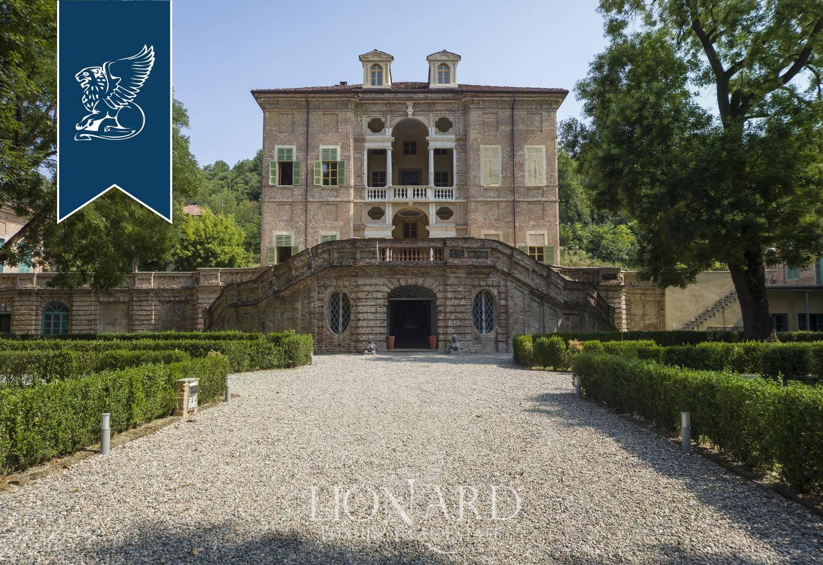 Villa in Vendita a Gassino Torinese: 2000 mq