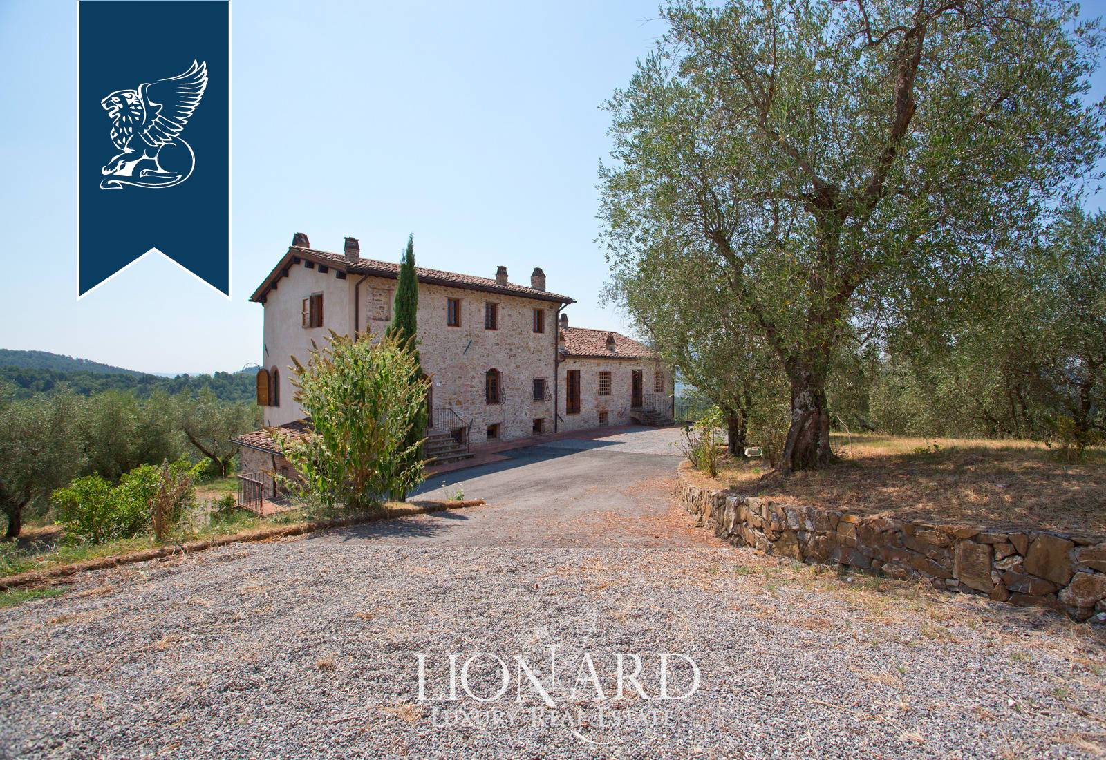 Villa in Vendita a Lucca: 1000 mq