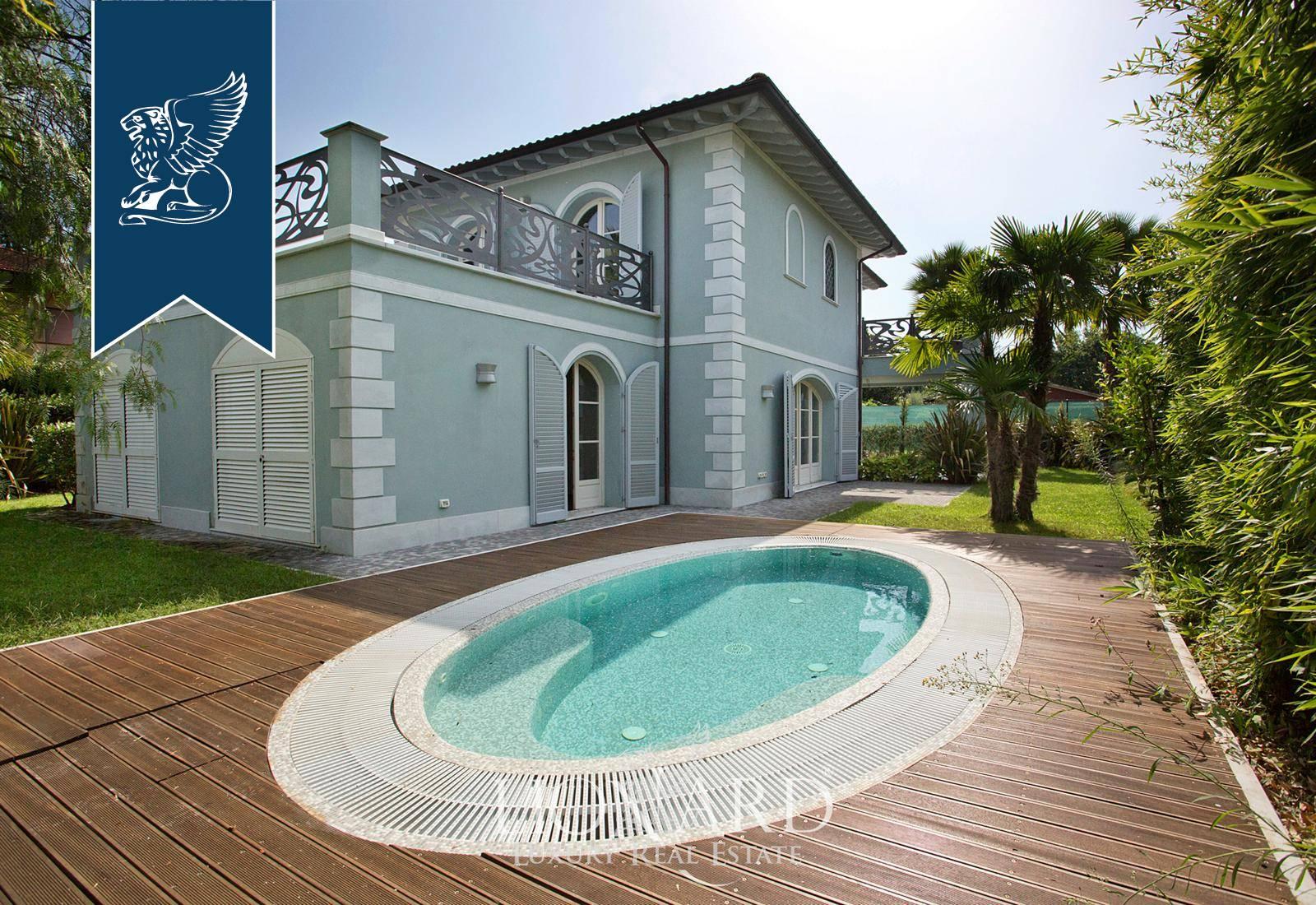 Villa in Vendita a Forte Dei Marmi: 240 mq  - Foto 1