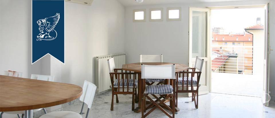 Appartamento in Vendita a Camaiore: 0 locali, 120 mq - Foto 2
