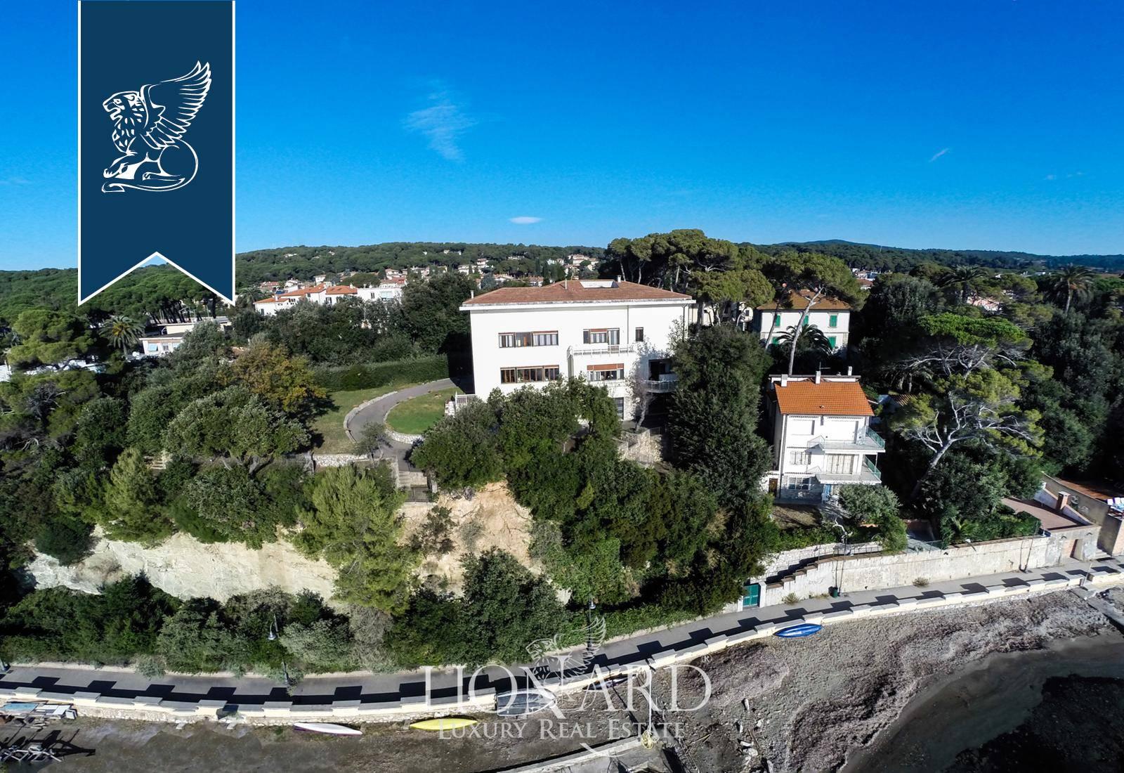 Villa in Vendita a Rosignano Marittimo: 0 locali, 700 mq - Foto 1