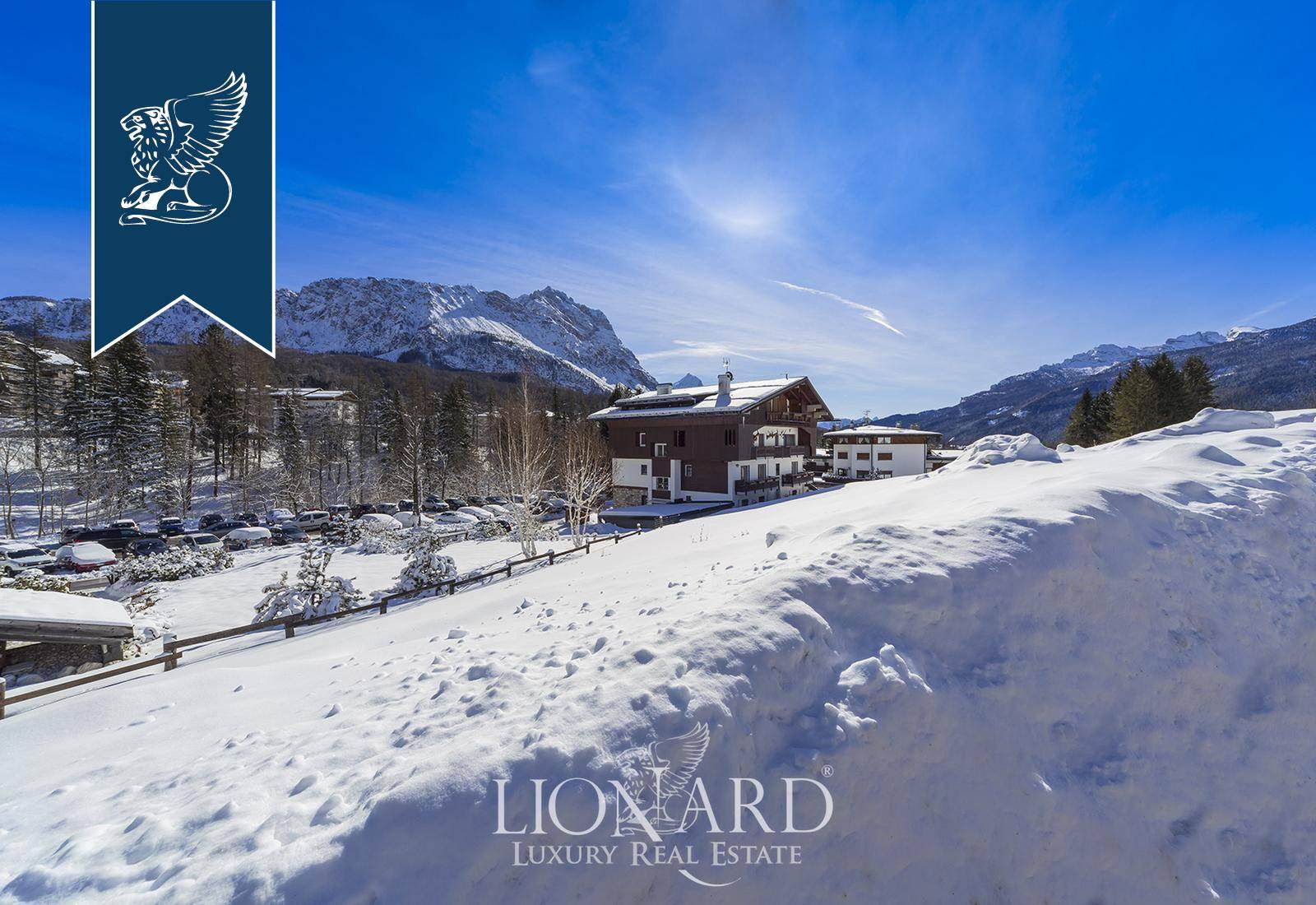 Appartamento in Vendita a Cortina D'Ampezzo: 0 locali, 180 mq - Foto 2