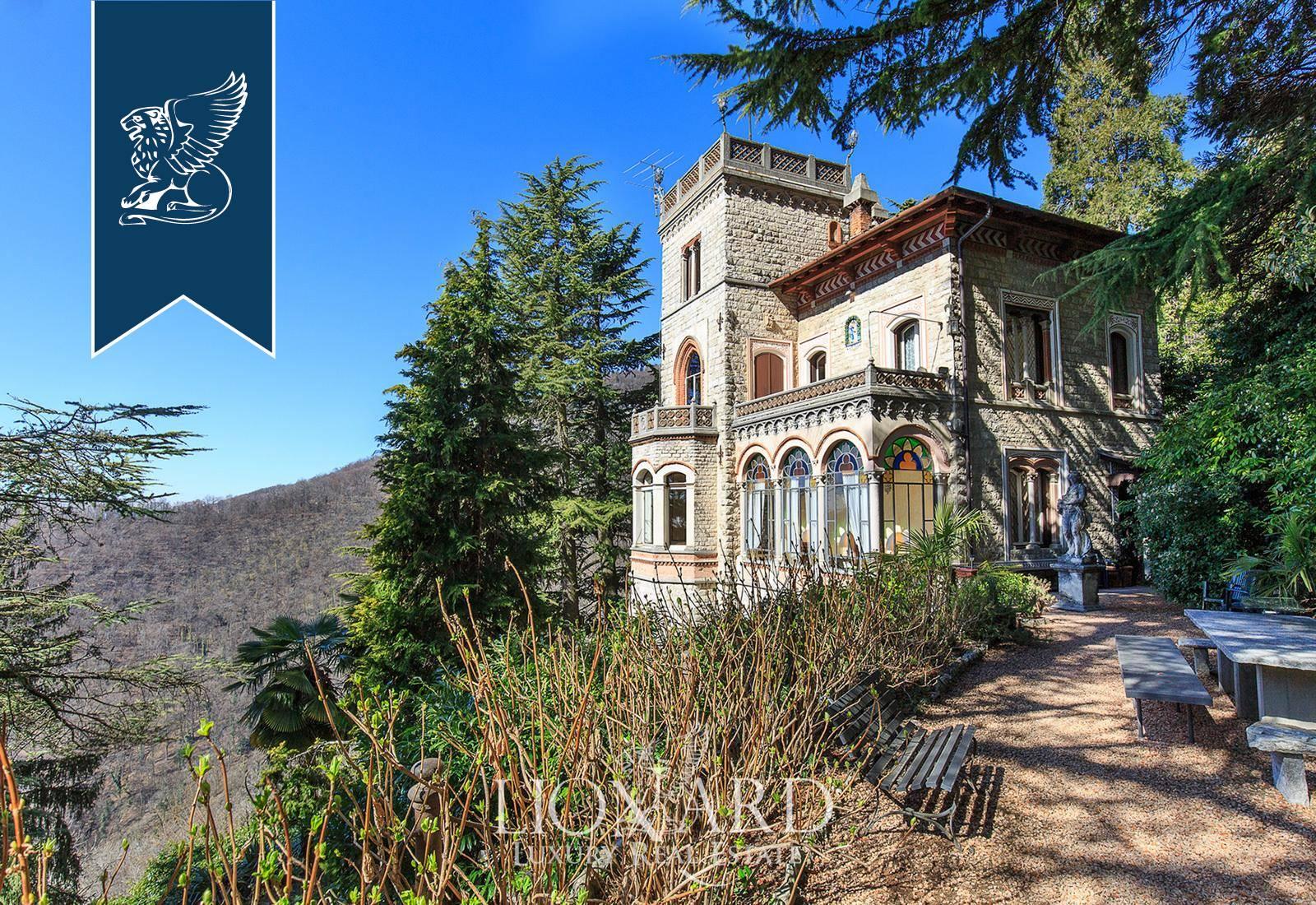 Villa in Vendita a Varese: 400 mq