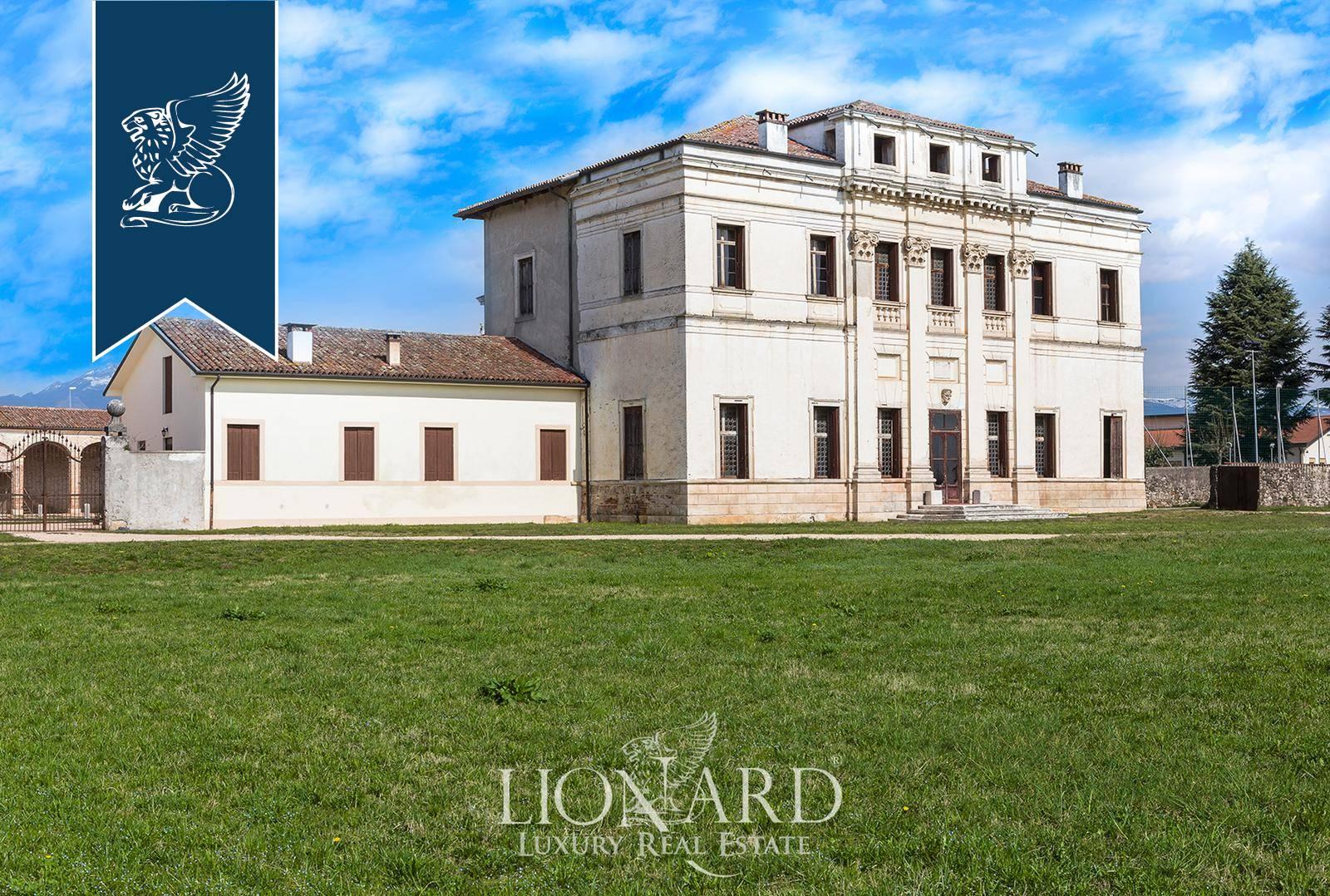 Villa in Vendita a Malo: 0 locali, 5000 mq - Foto 1