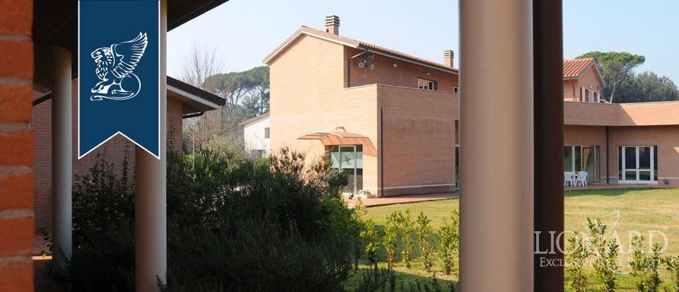 Albergo in Vendita a Pisa: 4000 mq  - Foto 1