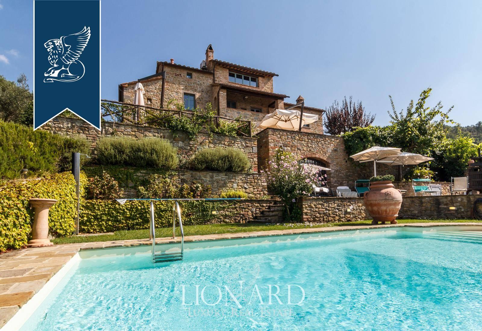 Villa in Vendita a Cortona: 300 mq