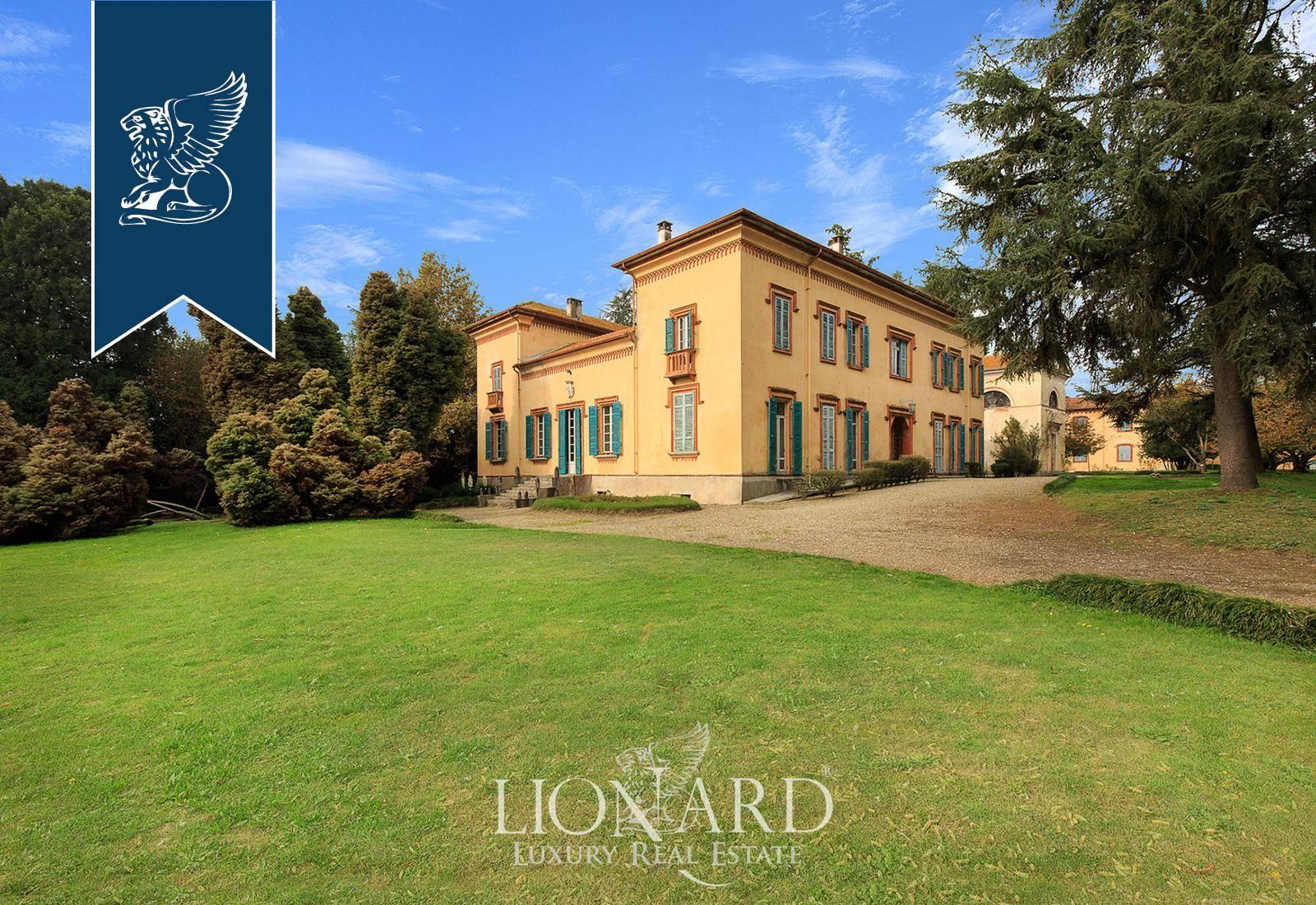 Villa in Vendita a Casalino: 5000 mq