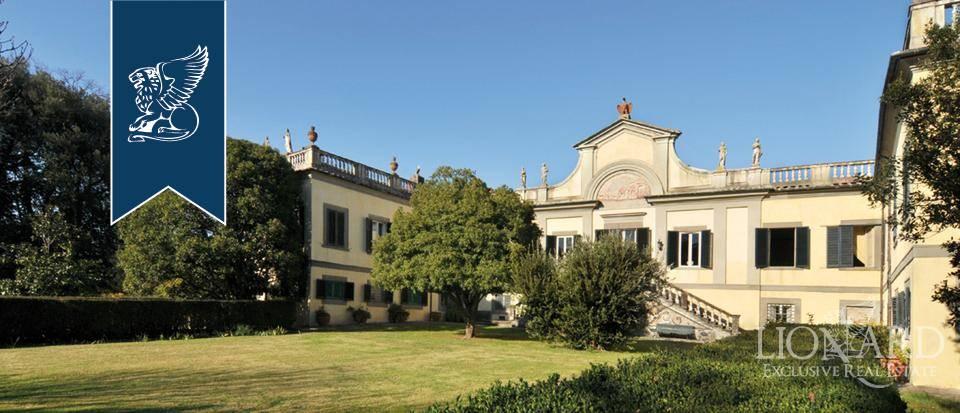 Villa in Vendita a Lucca: 2000 mq  - Foto 1