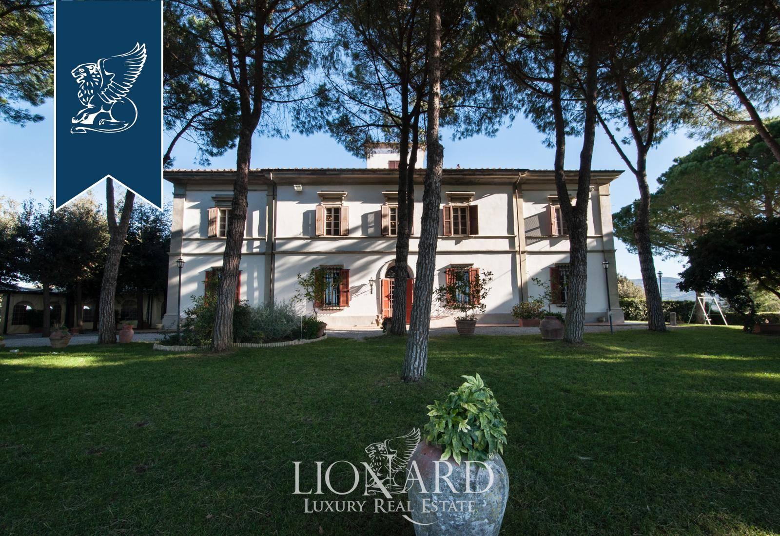 Villa in Vendita a Castellina Marittima: 950 mq