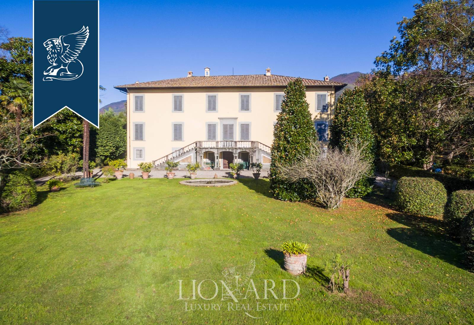 Villa in Vendita a Capannori: 0 locali, 1200 mq - Foto 1