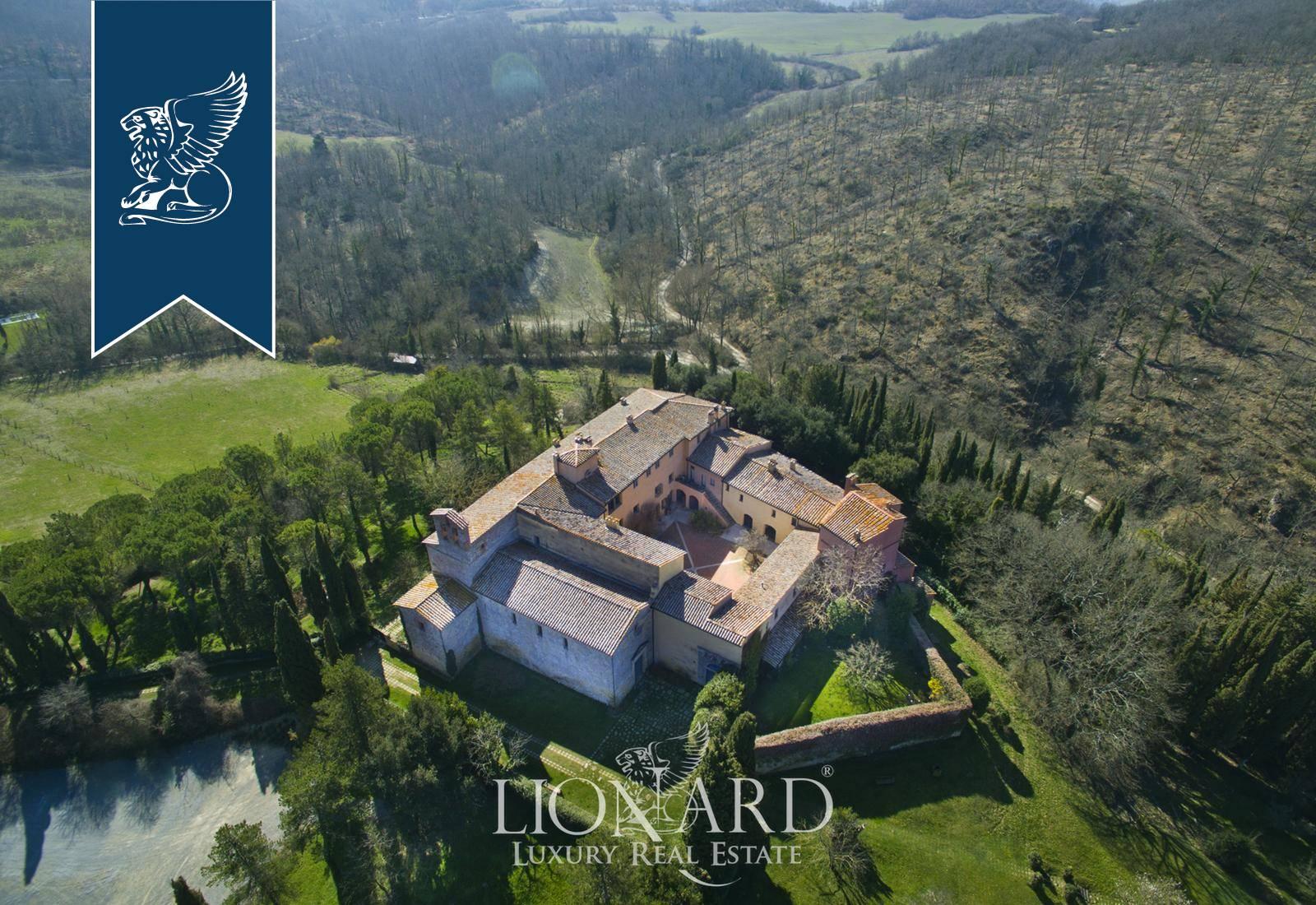 Villa in Vendita a Sarteano: 9000 mq