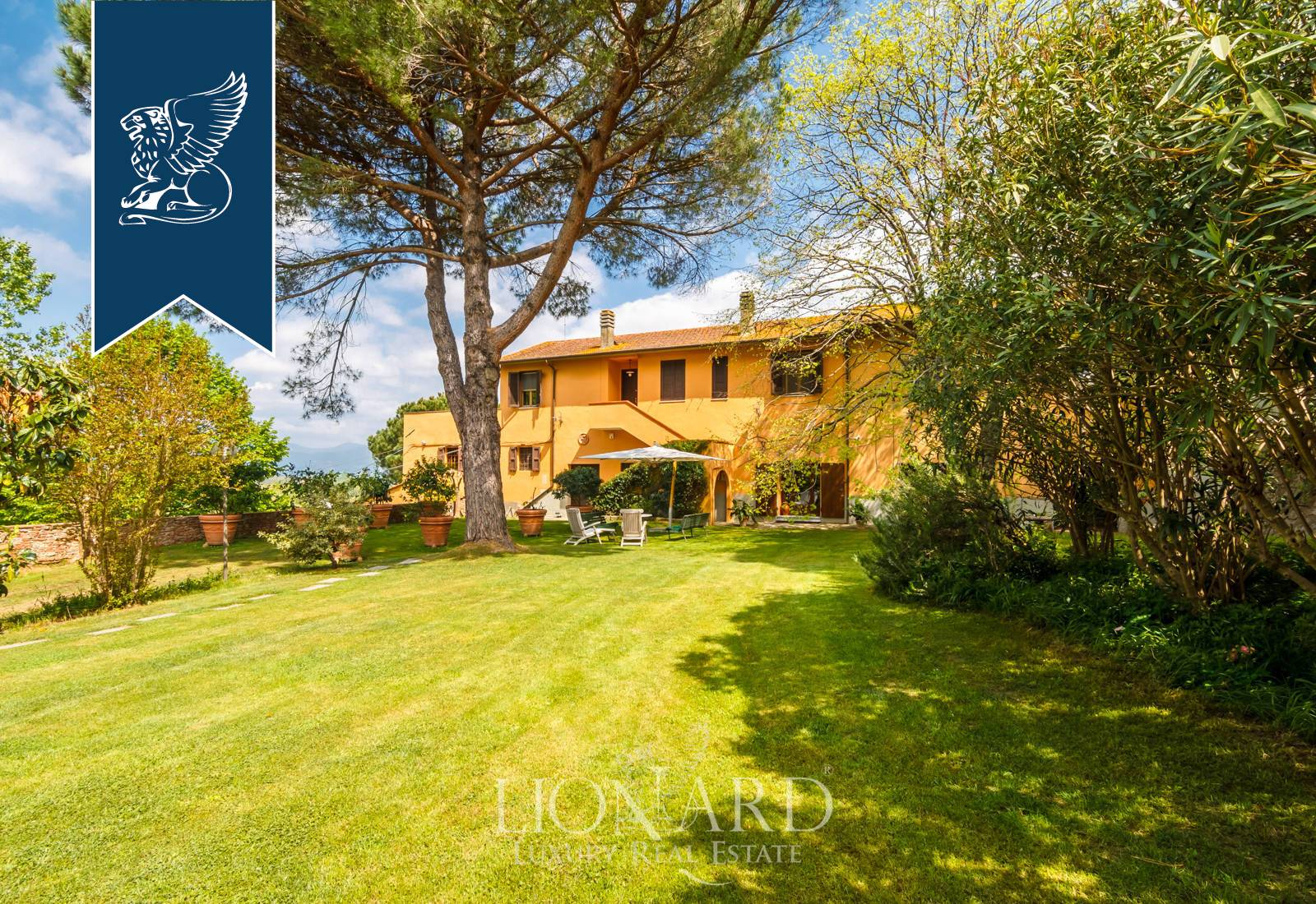 Villa in Vendita a Crespina Lorenzana: 1000 mq