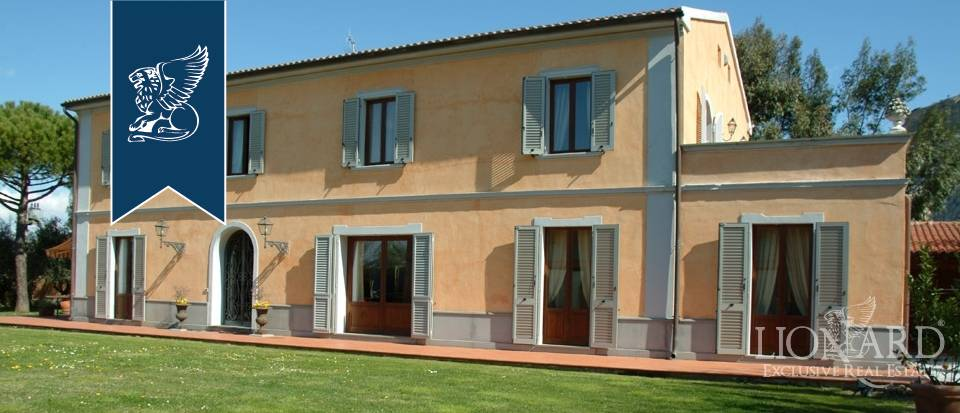 Villa in Vendita a Vecchiano: 810 mq
