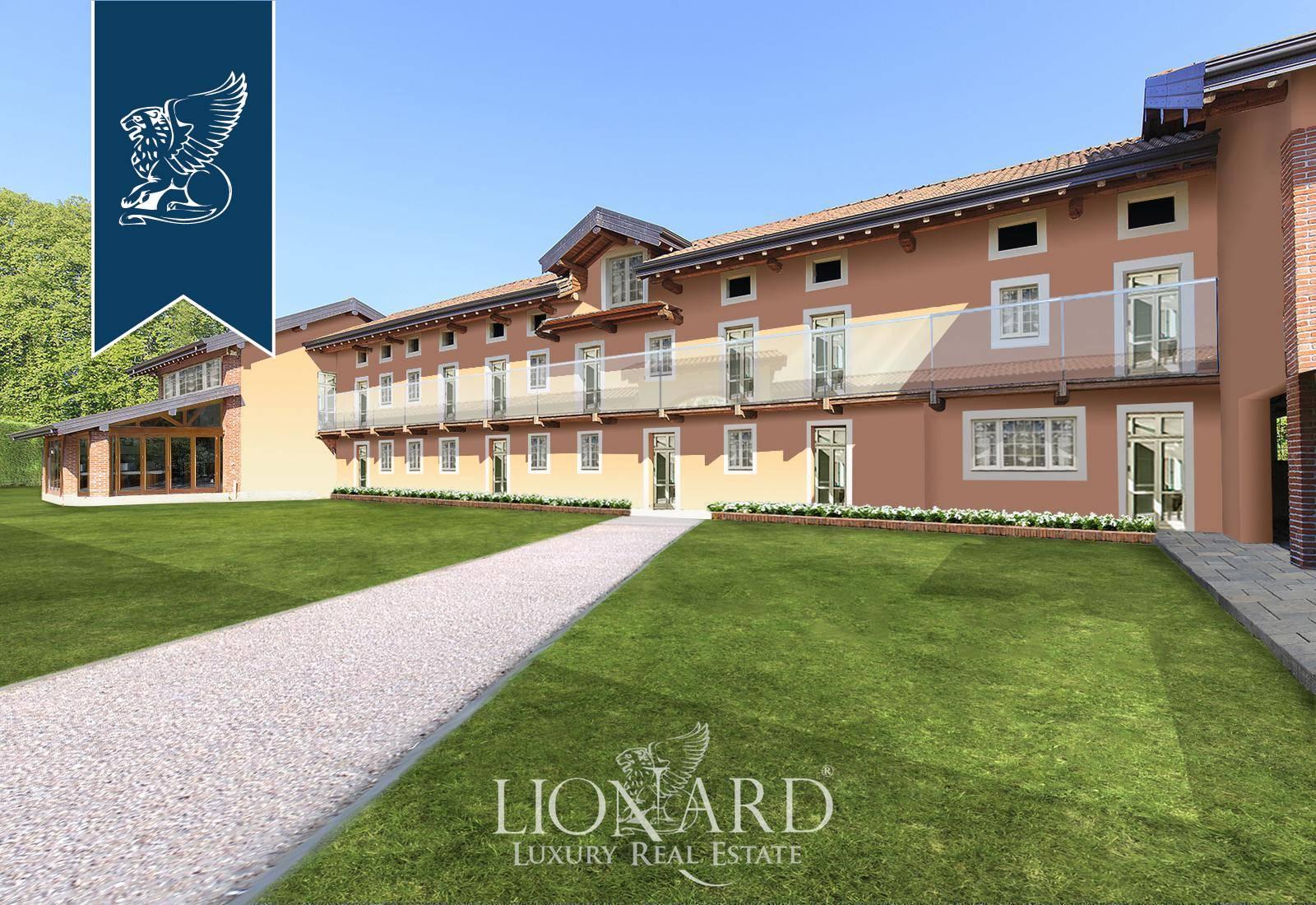 Villa in Vendita a Agrate Conturbia: 2100 mq